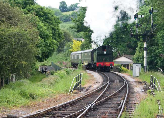 5542 arriving at Buckfastleigh