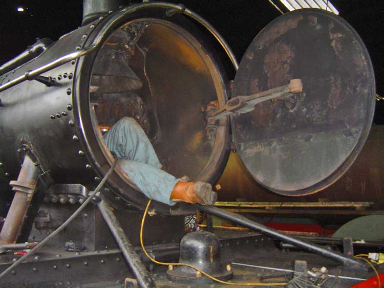 Working in 5542 smokebox