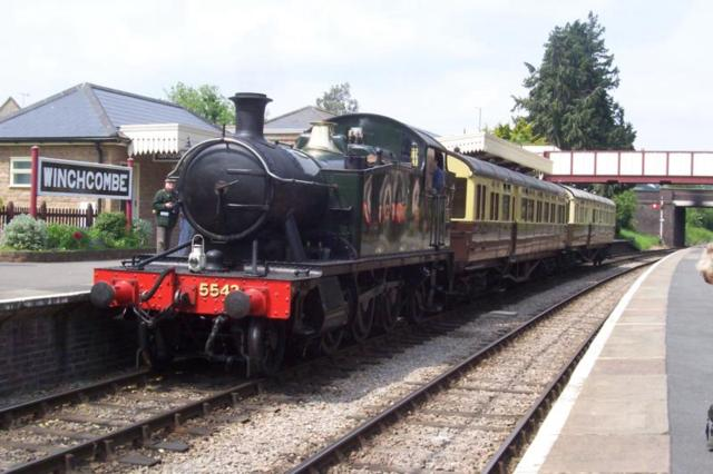 5542 and auto trailers at Winchcombe