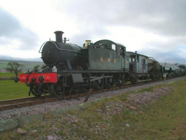 5542 with goods train on Kerr Moor, Blue Anchor