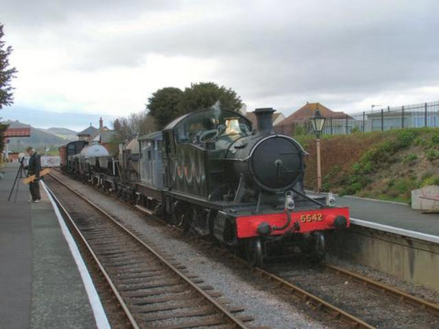 5542 with goods train at Blue Anchor