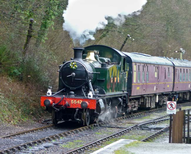5542 approaching Shackerstone station