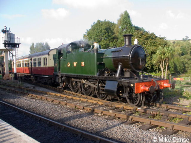 5542 with autotrailer at Buckfastleigh