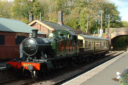 5542 waits at Bishops Lydeard with autotrailer 178